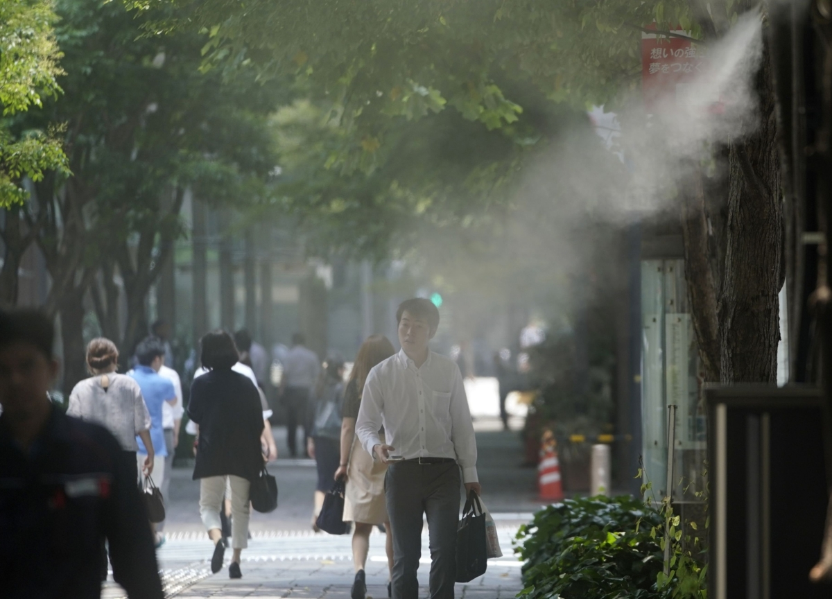 Outbreak of SARS-Like Virus Widens With First Case in Japan