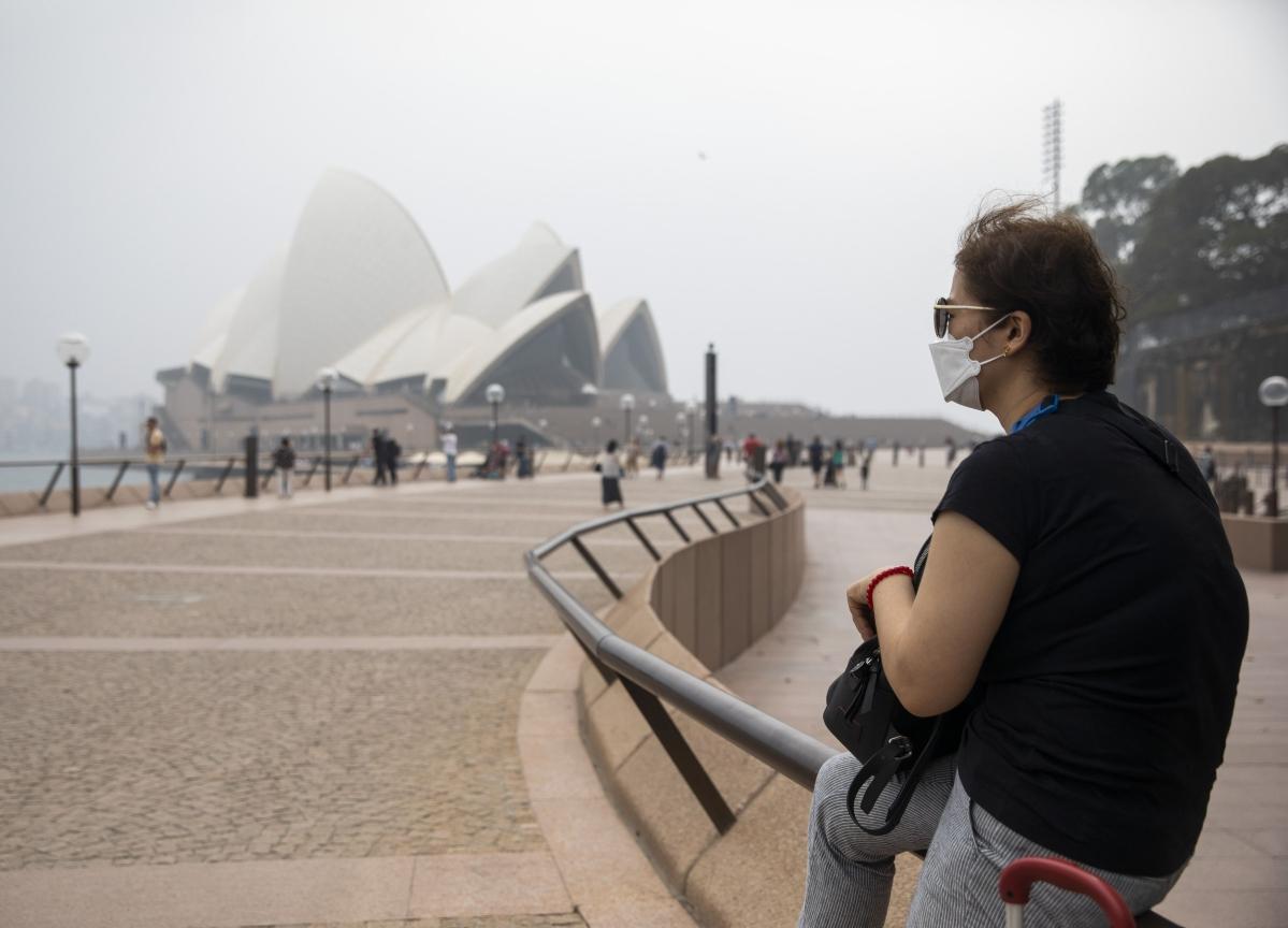 Australian Economy Struck by Wildfires, Setting Up Stimulus