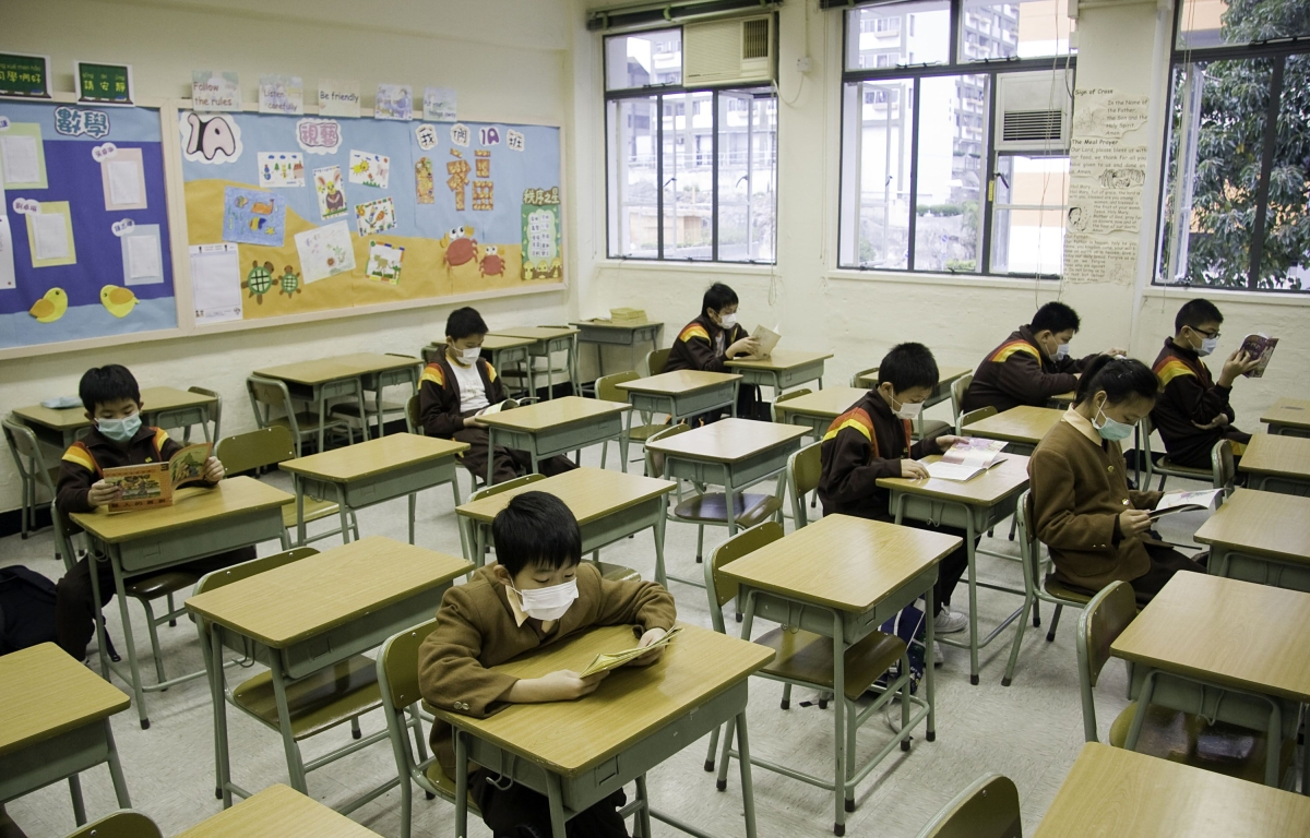 Parents Grapple With E-Learning as Chinese Schools Stay Shut