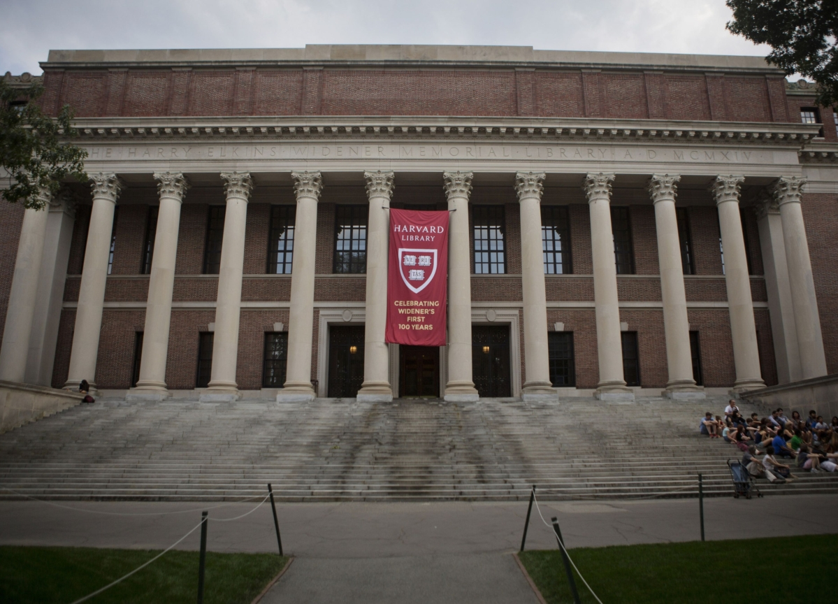 Harvard to Make All Classes Online March 23, President Says
