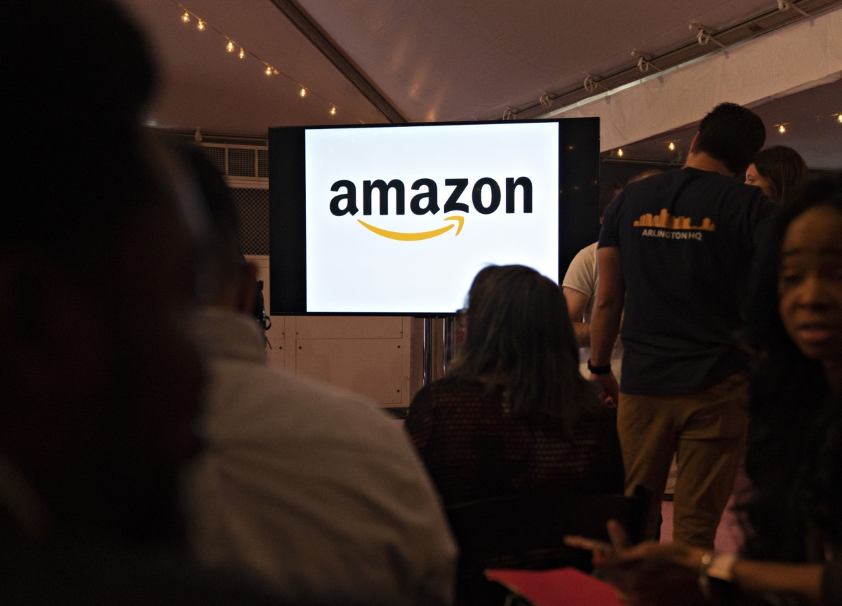 Union Coalition Wants Investigation of Amazon Influence on Wages