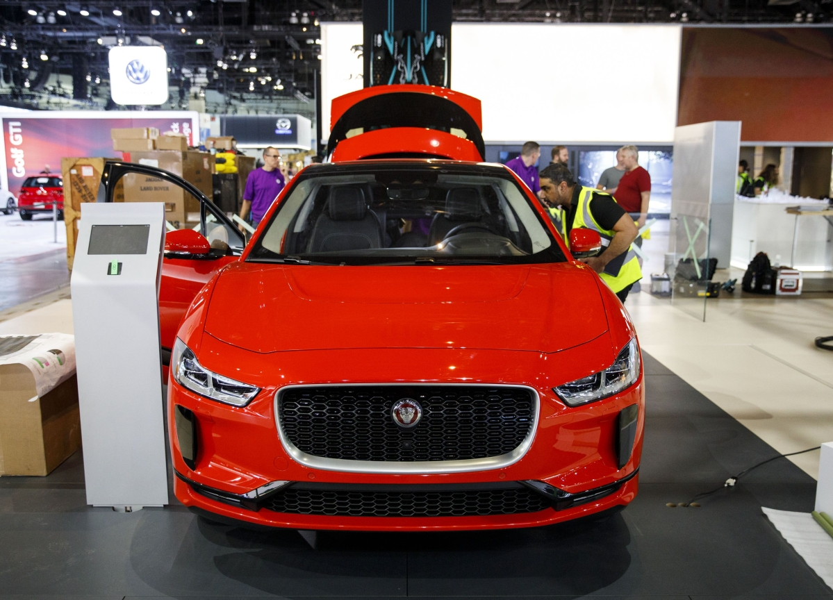 Jaguar Supplier 'Paddling Like Hell' to Support Slow-Selling EVs