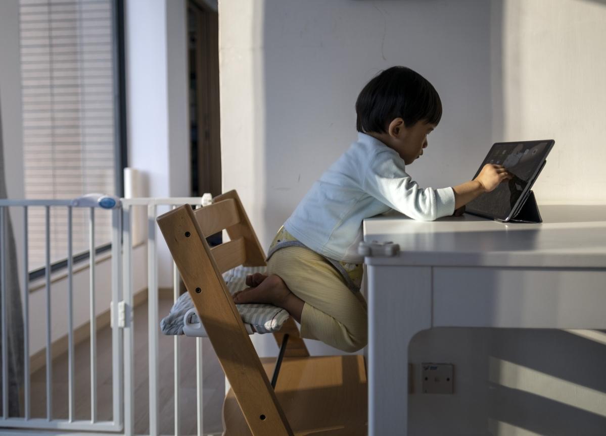 Hong Kong Parents Want Refunds as Schools Shut for Months