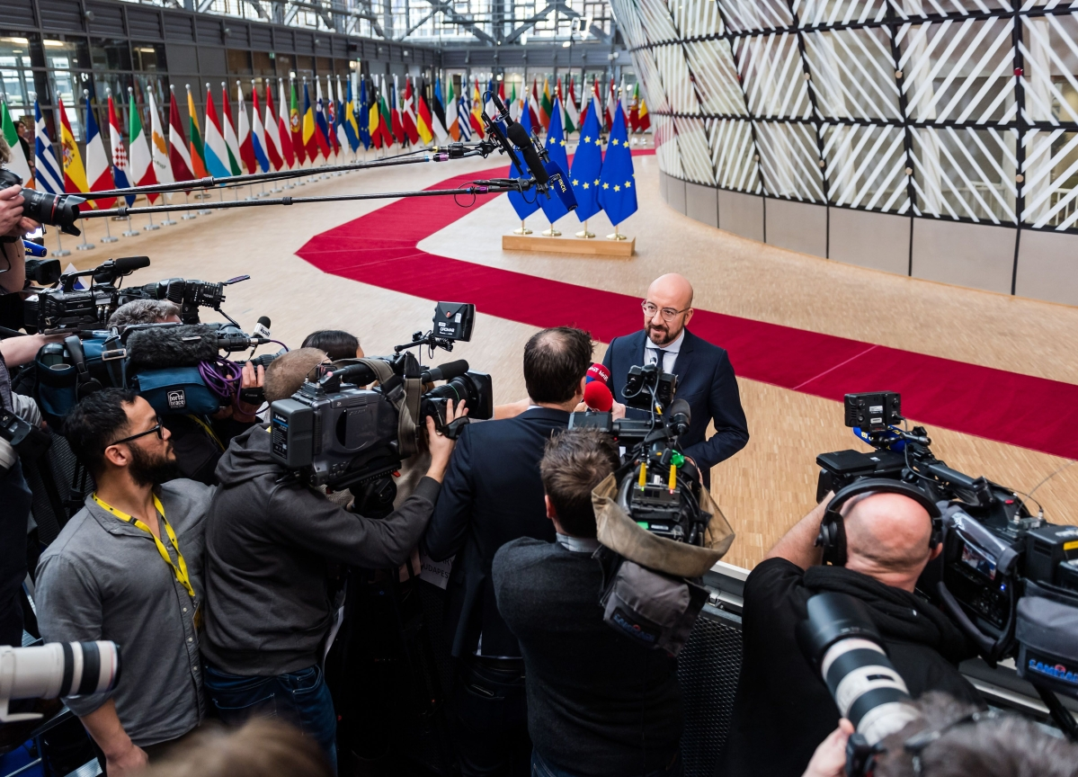 France Warns of U.K. Blackmail as EU Prepares Negotiating Stance