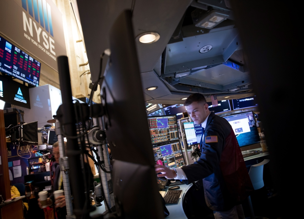 U.S. Stock Futures Dip After Three-Day Rally as Virus Cases Grow