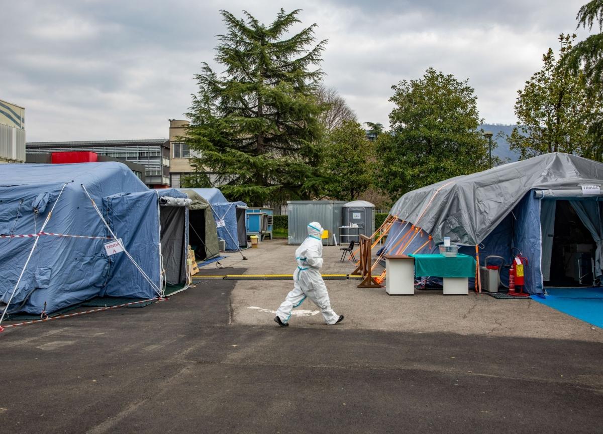 Europe Goes Dark in Coronavirus Fight as Macron Invokes War