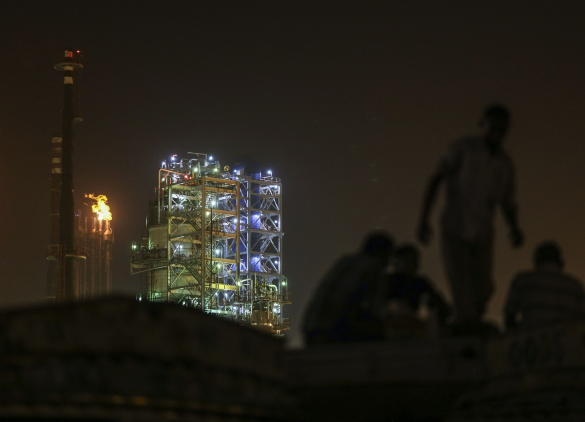 India Seeks Bids to Sell BPCL, Keeps State Players Out