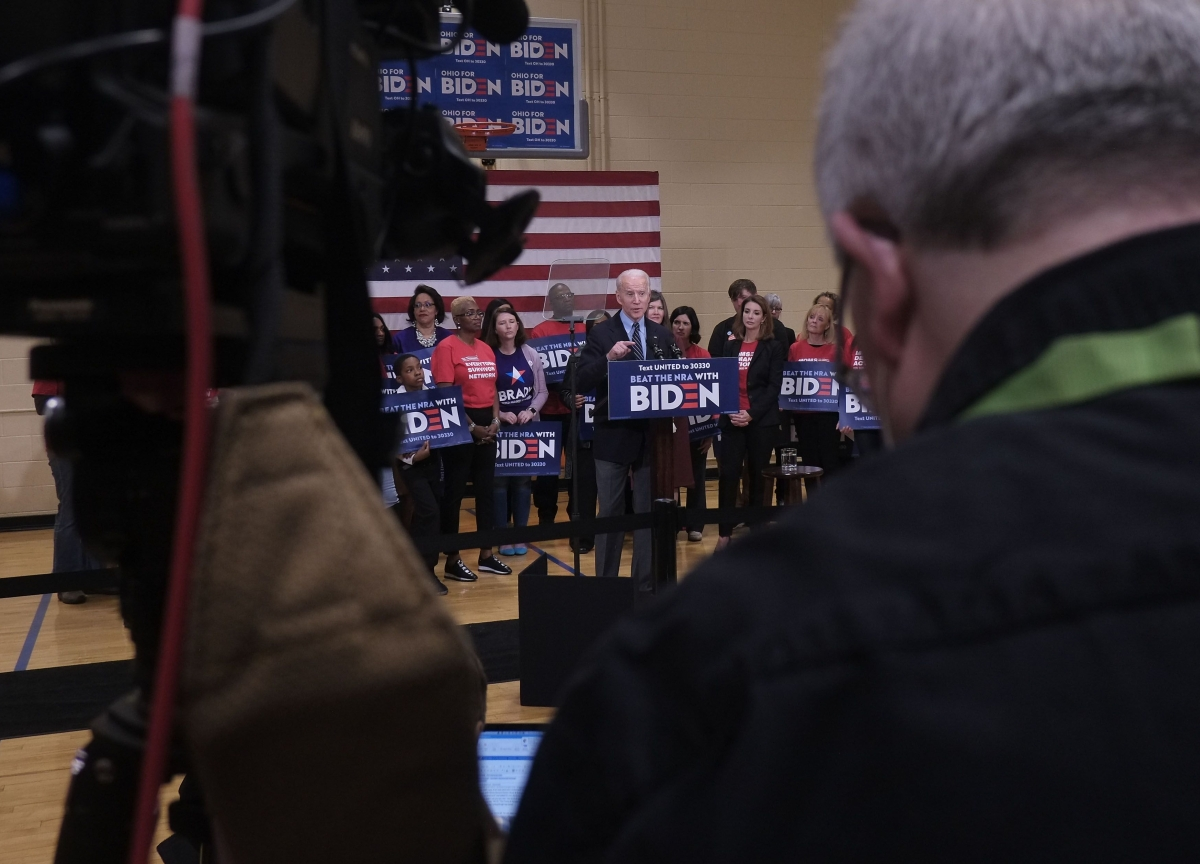 Sanders, Biden Scrap Campaign Rallies Amid Virus Fears