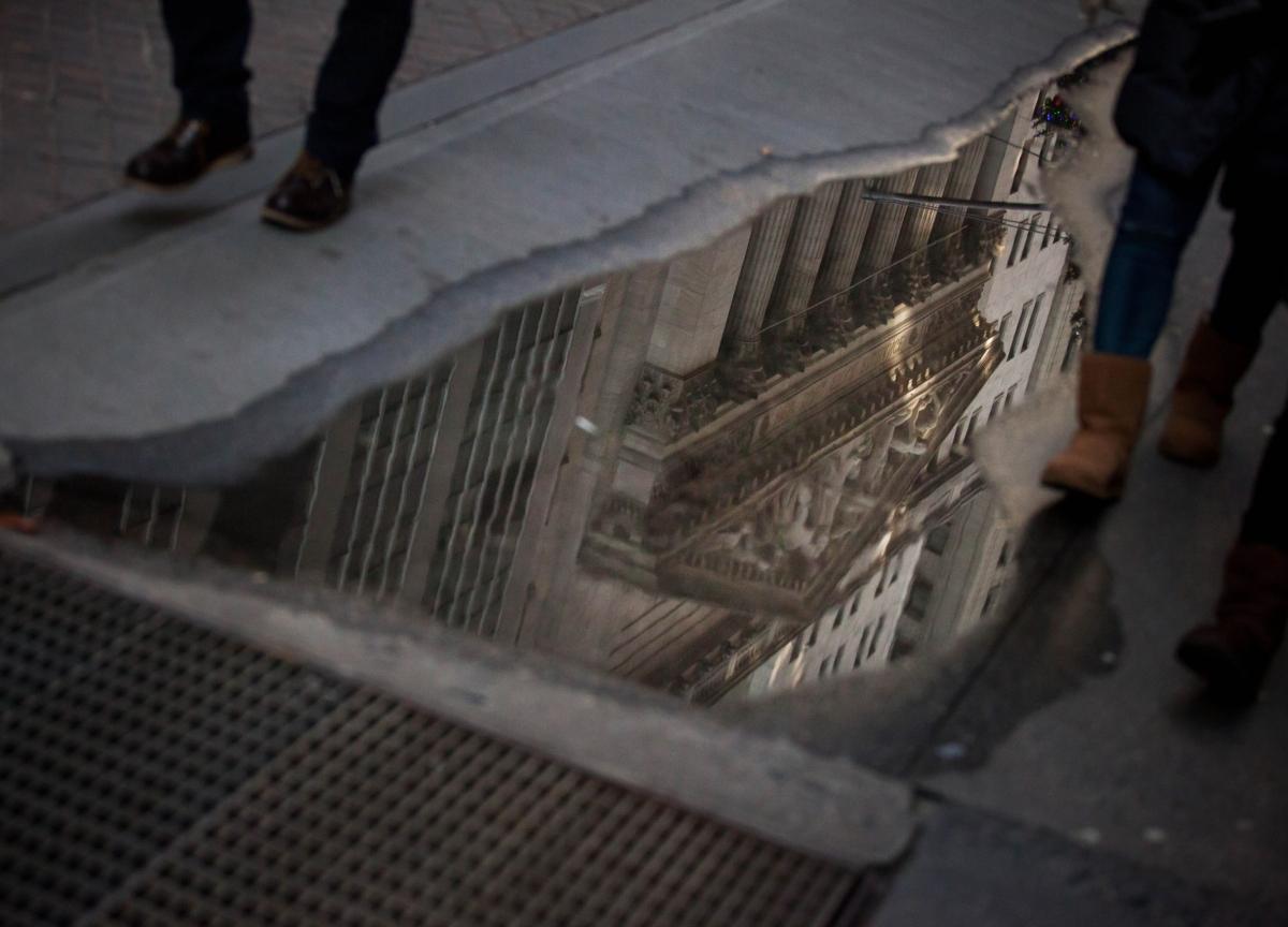 U.S. Stocks Plunge Most Since Financial Crisis: Markets Wrap