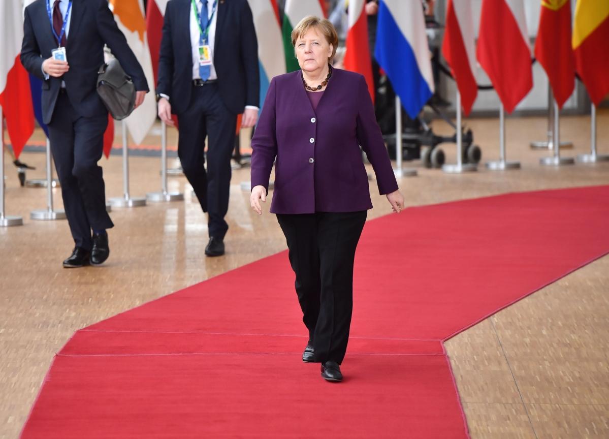 Merkel Eyes Emergency Powers to Unleash Debt for Virus Fight