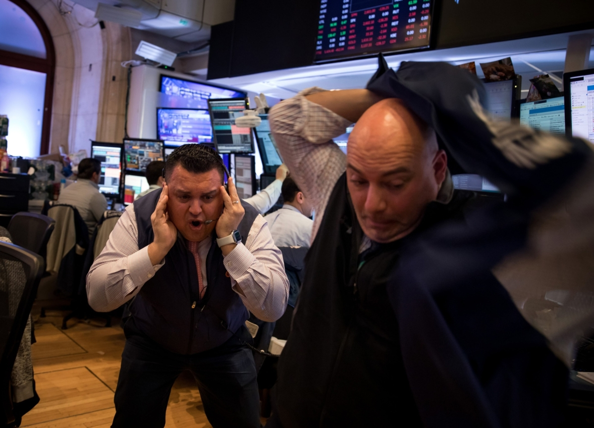 U.S. Stock Futures Drop to Limit Down With S&P 500 ETF Plunging