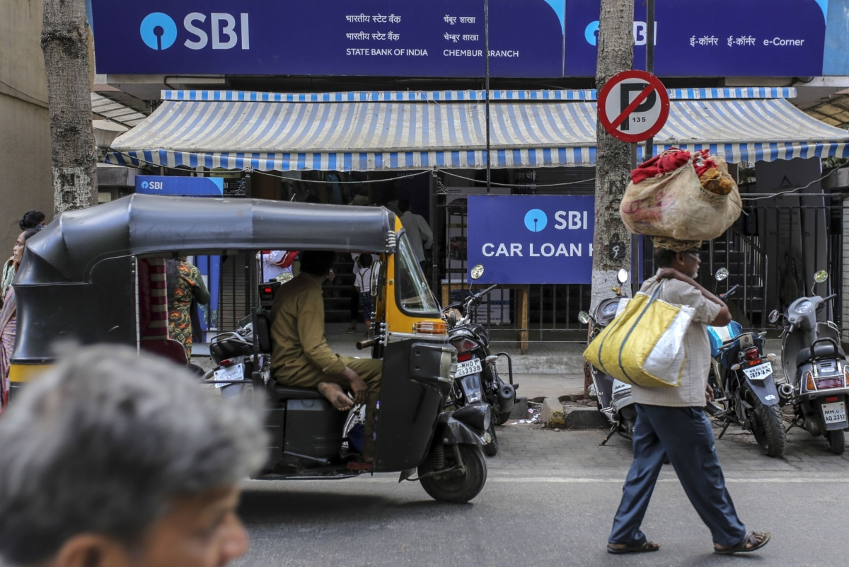 SBI Plans To Offer Moratorium To All Term Loan Customers