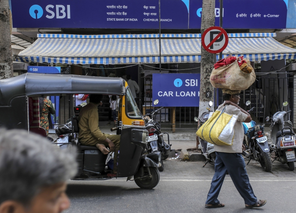 SBI Sees Drop In Transactions During Lockdown, Says Most ATMs Running