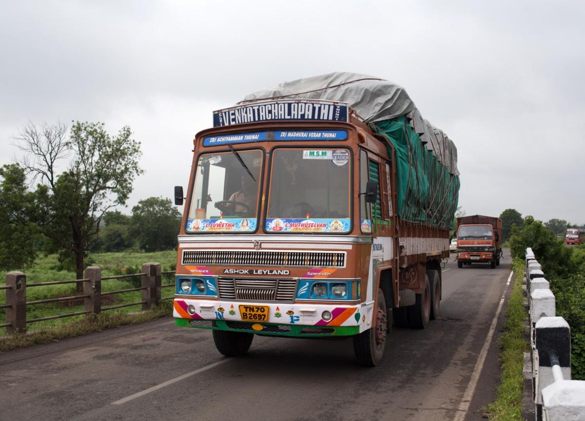Ashok Leyland Scales Back Hinduja Leyland Finance Stake Purchase Plan