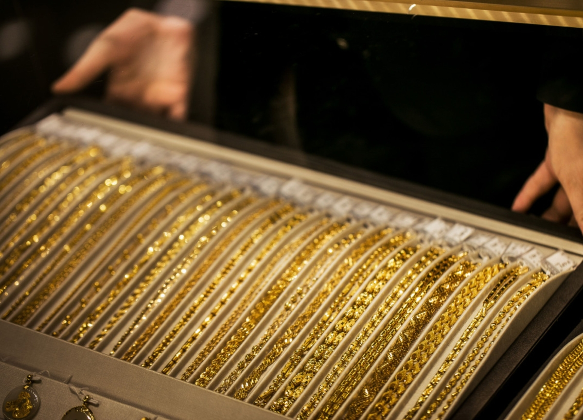 Gold Volatility Empties Jewelry Boxes in Wild Selling Spree