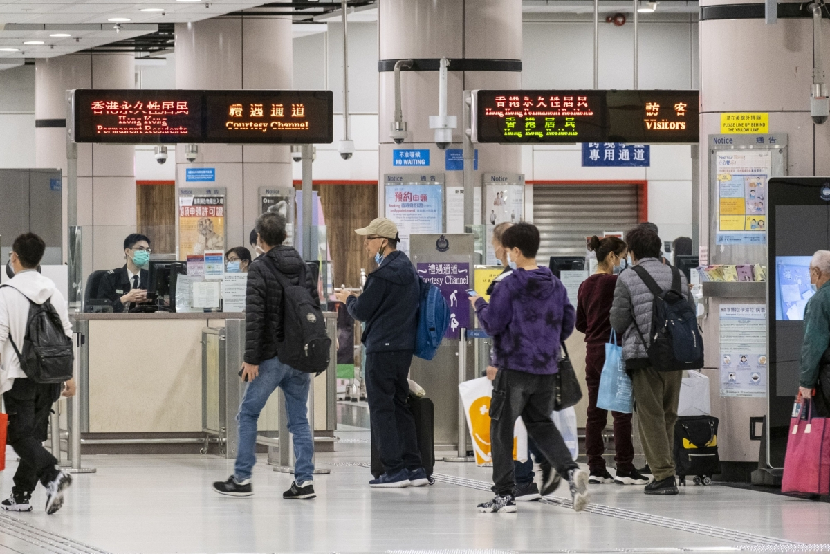 China Seals Borders to Most Foreigners Starting Saturday