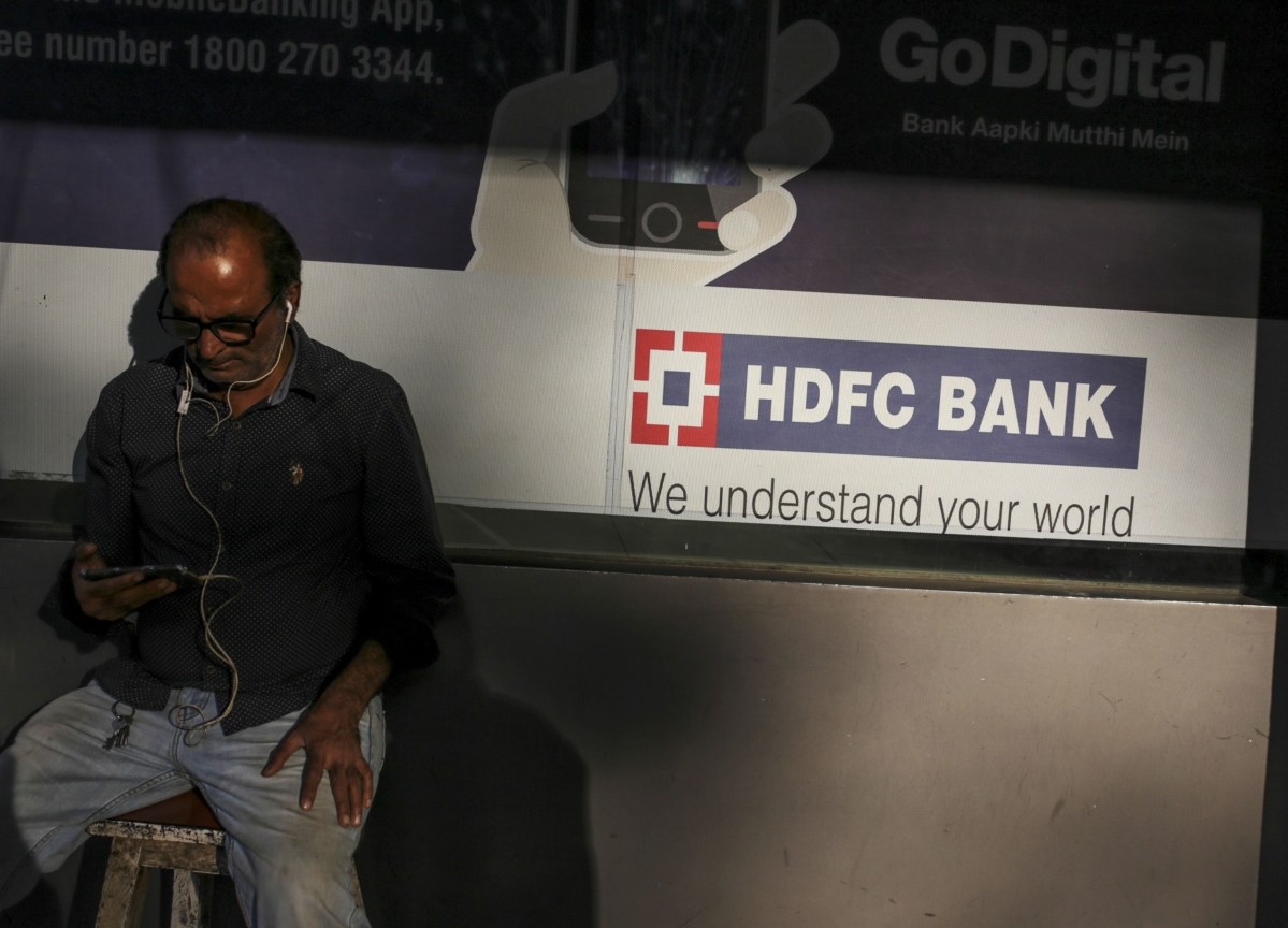 Top Indian Bank Ramps Up Corporate Loans as Rivals Retreat