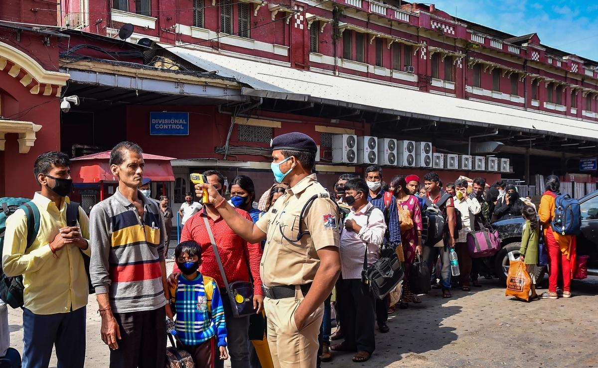 India Suspends Passenger Train Services Until March 31