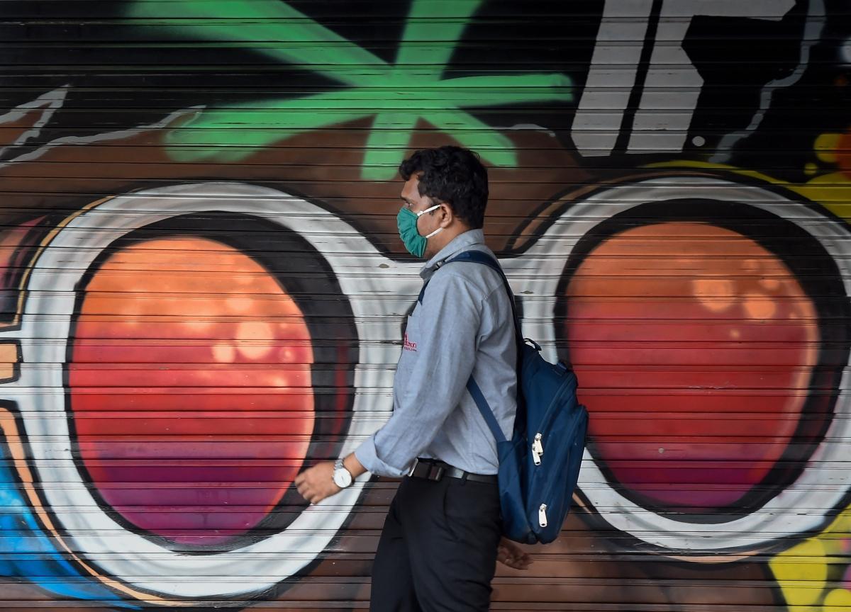 Worldwide Dollar Crunch Raises Red Flags in Asia Debt Market