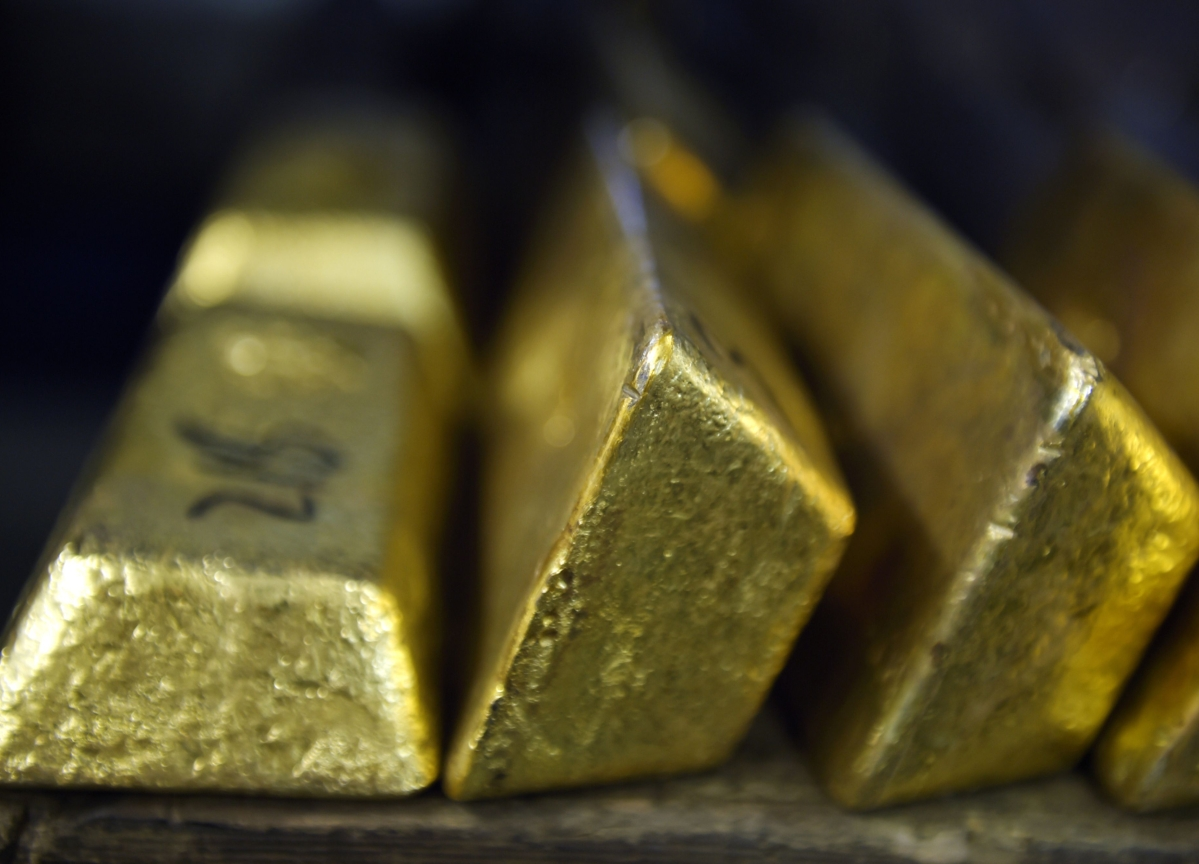 Gold's Worst Week Since 1983 Strips Metal of Safe Haven Status