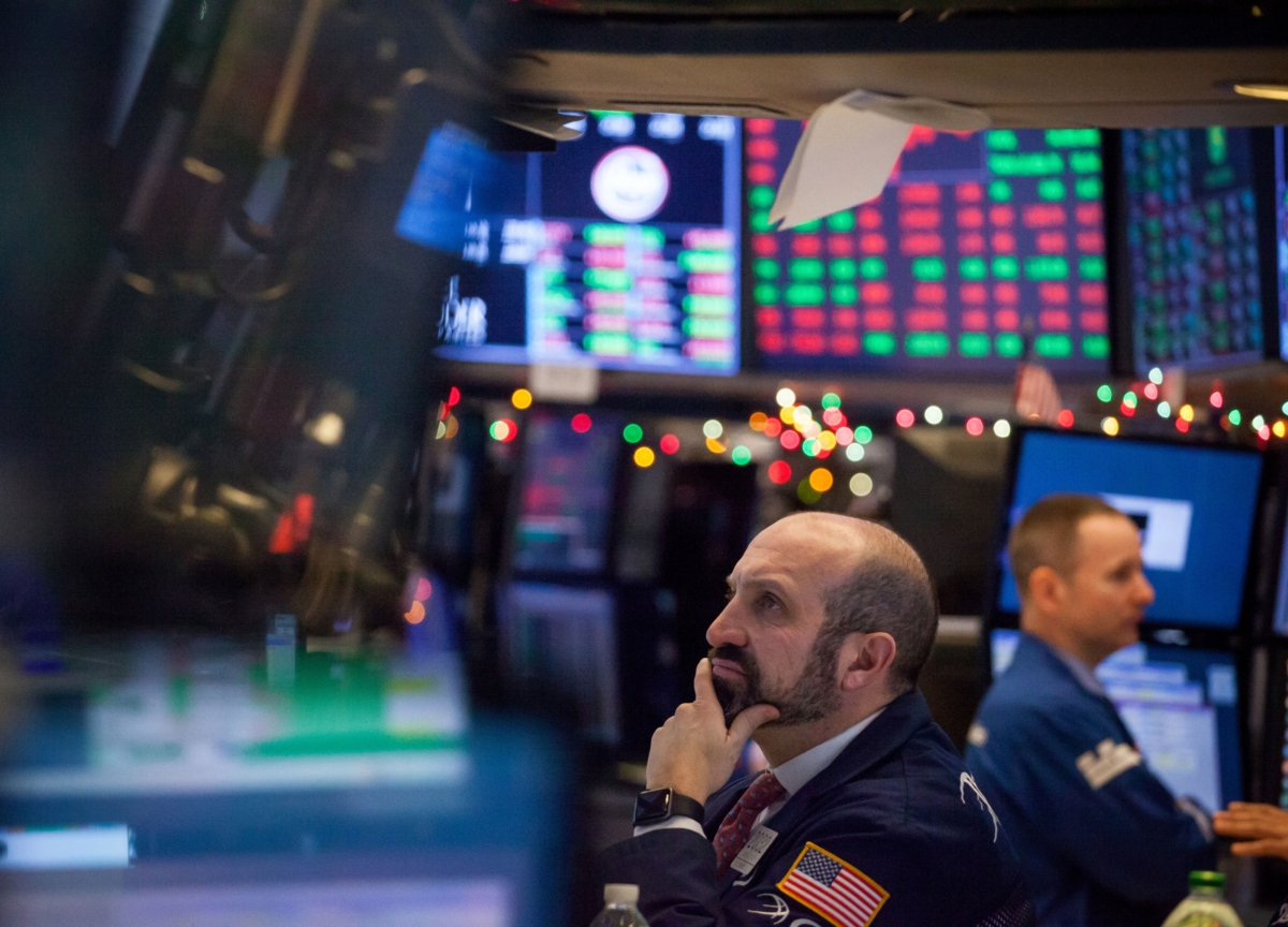 S&P 500 Sinks to Three-Year Low; Oil Tumbles: Markets Wrap