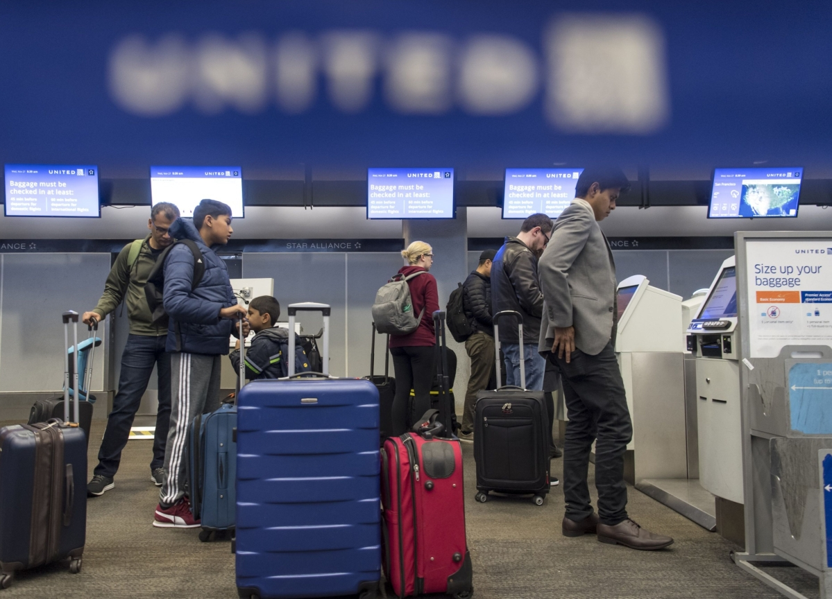 United Air Waives Change Fees in March on Coronavirus Fear
