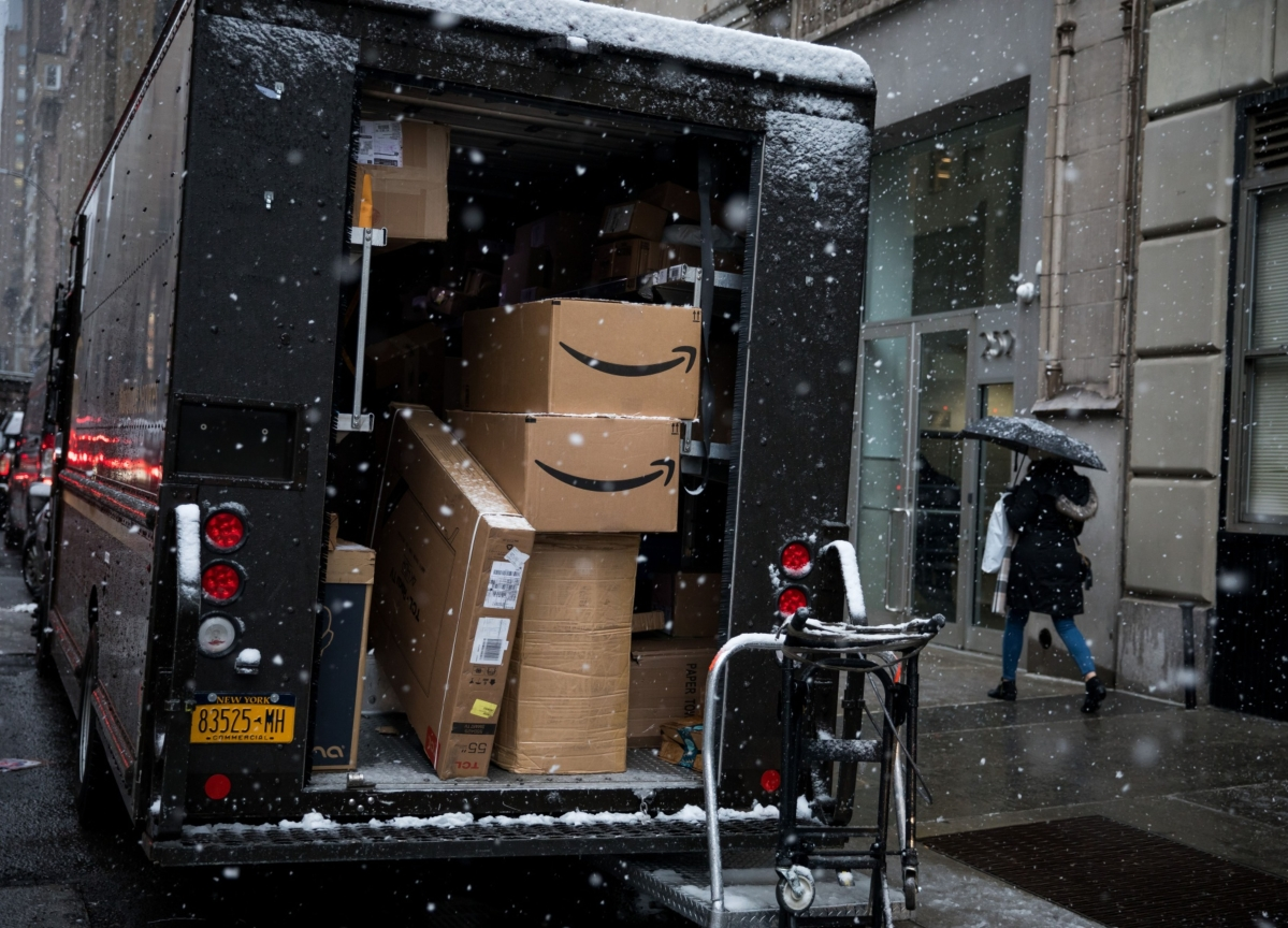 Amazon Warns of Delays After Stampede of Virus-Spooked Shoppers
