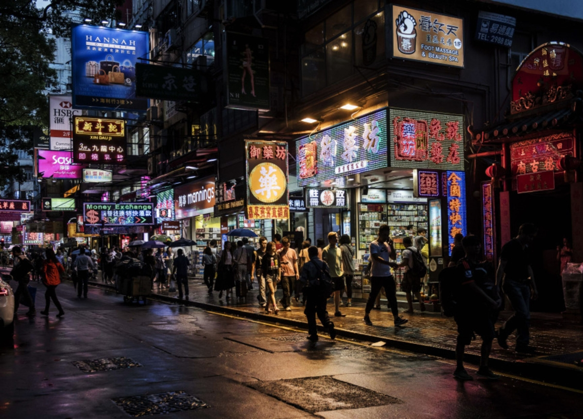 Half of Chinese Retailers Risk Collapse Within Six Months