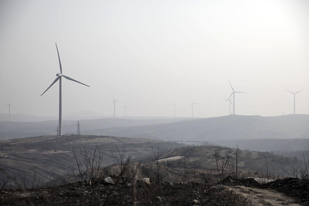 China's Fresh Green Debt Is Drying Up as Virus Hits Economy