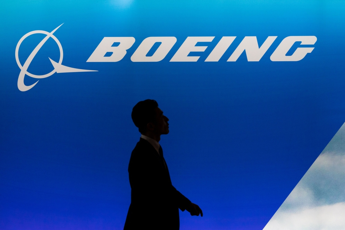 Trump Says Boeing Will Need 'Help' From Virus Impact