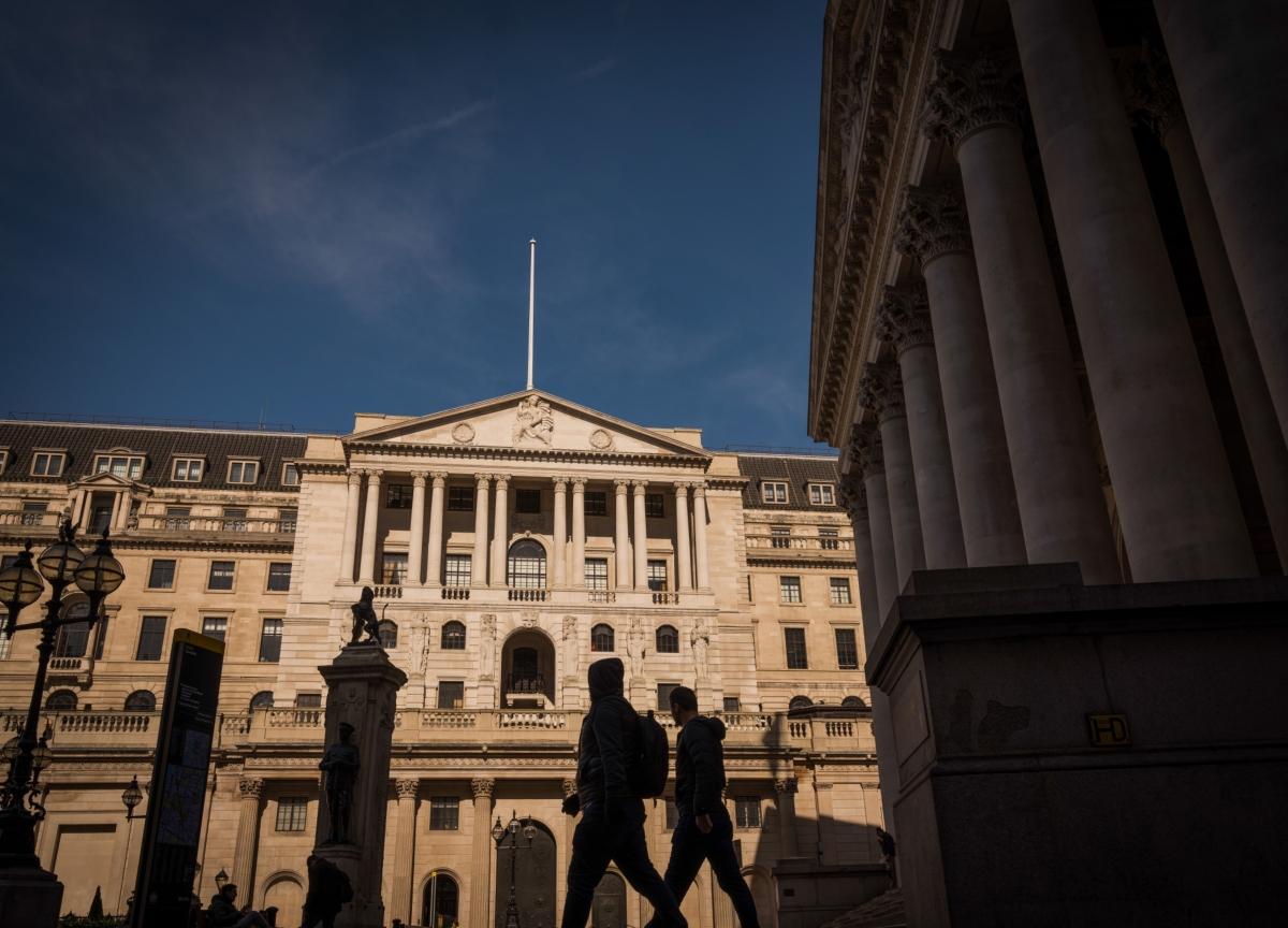 Pandemic Risks Inflicting Longer-Term Damage on U.K. Economy