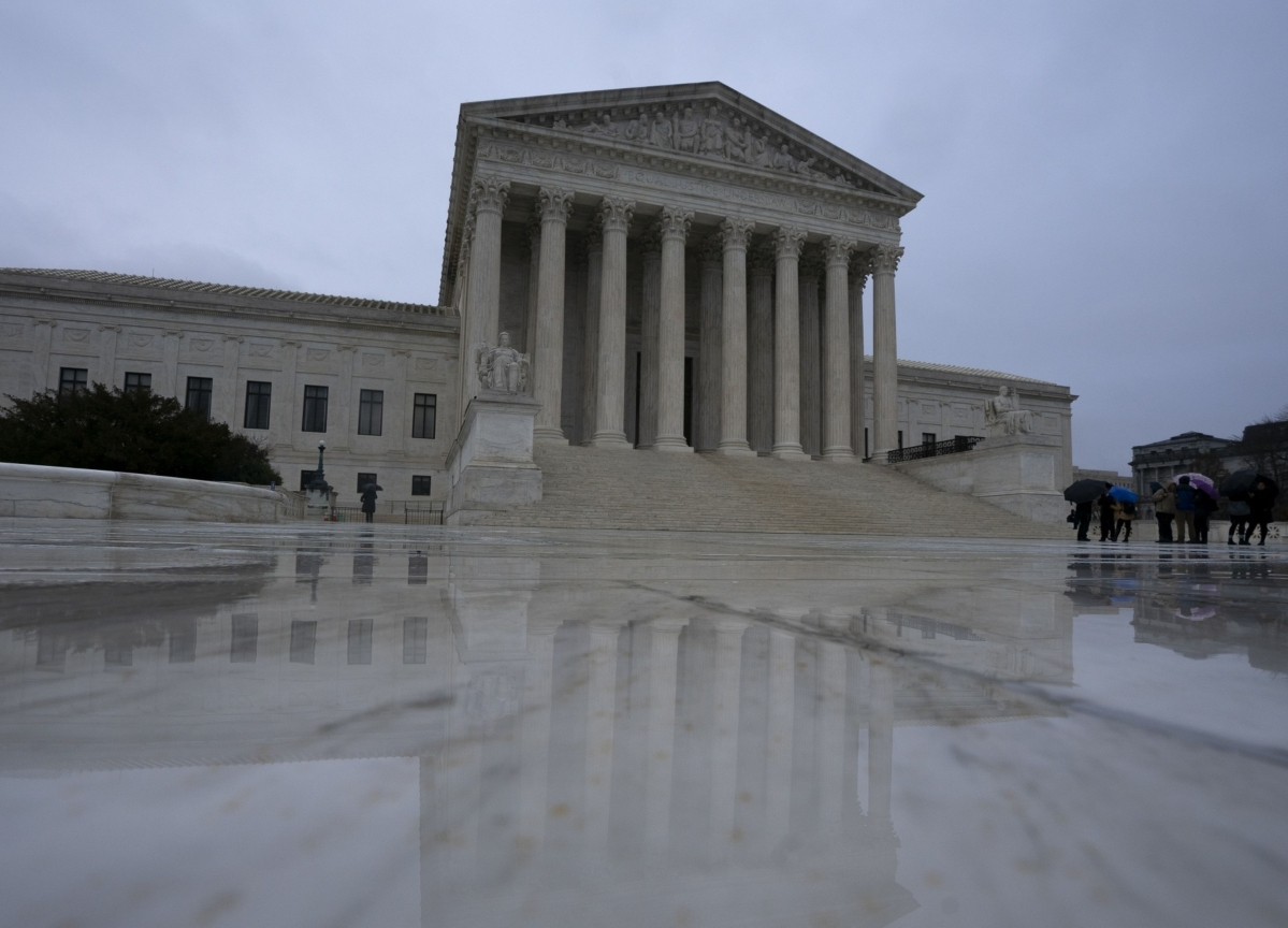 Supreme Court to Hear Democrats' Obamacare Appeal as Election Nears