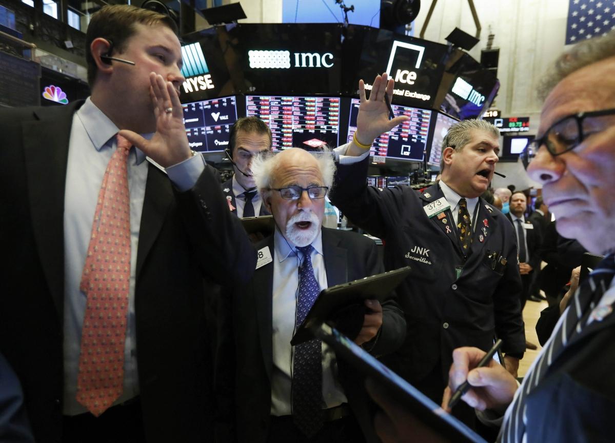Dow Average Sinks Into Bear Market on Virus Fears: Markets Wrap