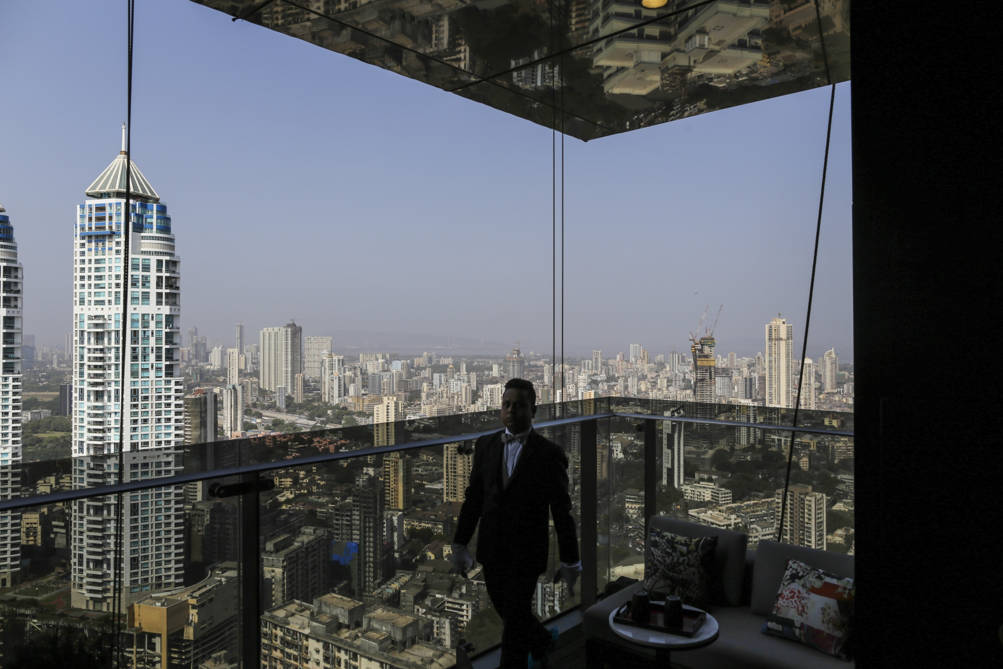 World's Highest Paid Expats Are Booking A Passage To India