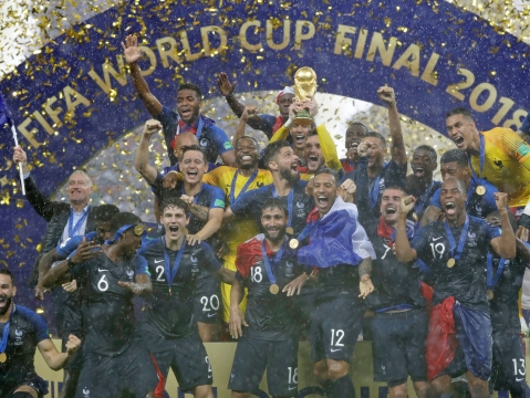 France Crowned 2018 FIFA World Cup Champions! Croatia Beaten 4-2