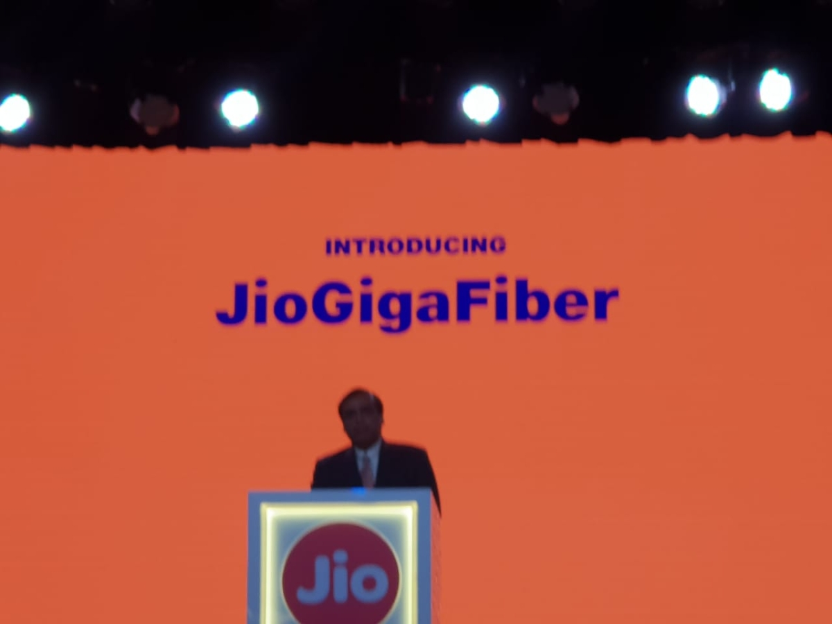 Internet And Cable Providers >> Ril Agm Mukesh Ambani Targets Internet And Cable Tv