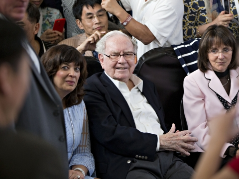 Buffett Holds Out Hope For Giant Deal As Cash Pile Grows Again