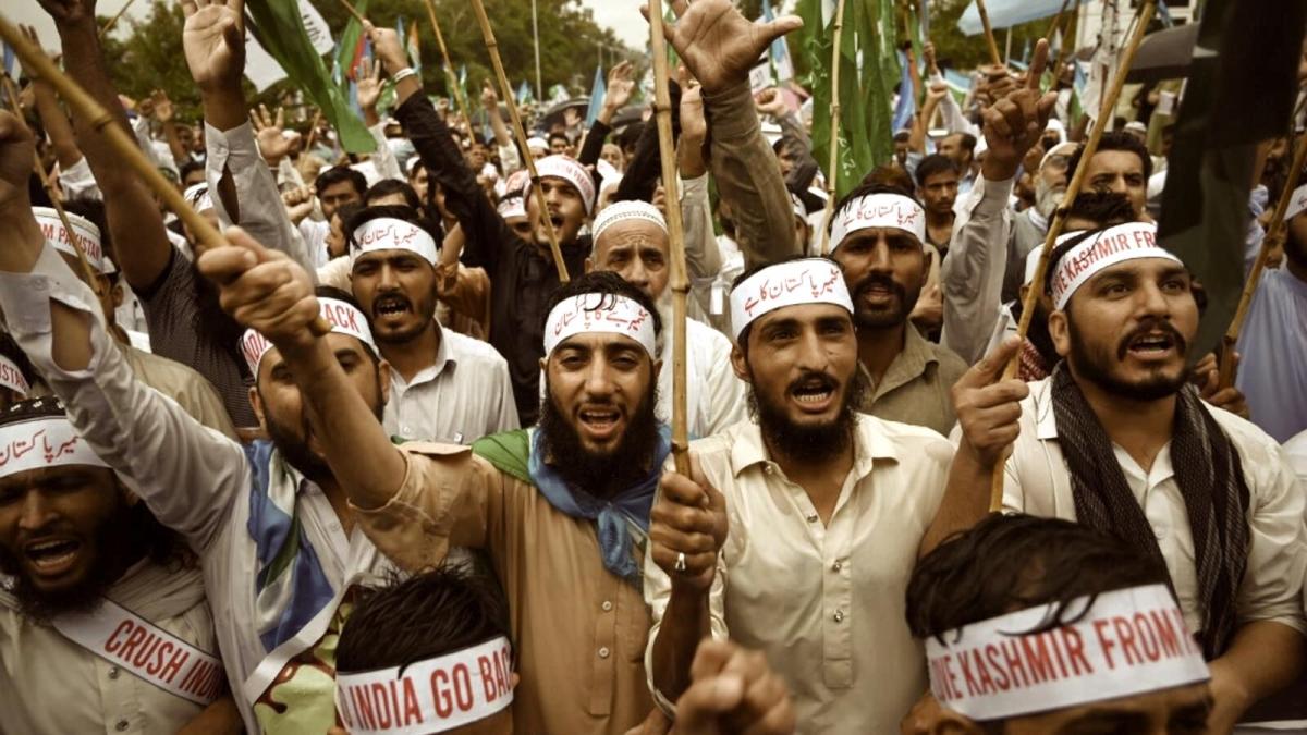 Peaceful Eid in Kashmir and the Sanatana Notion of Festival