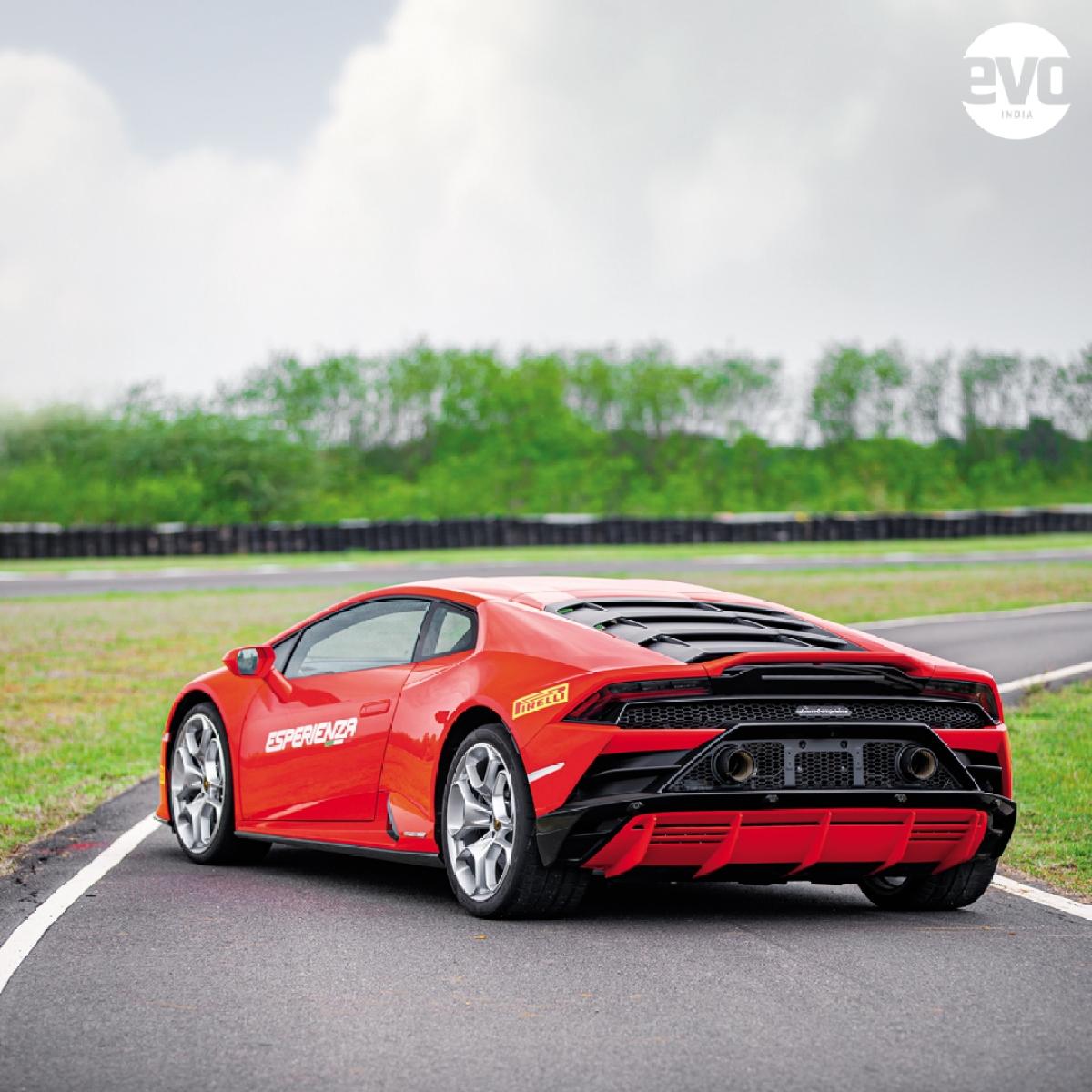 Lamborghini Huracan Evo #WallpaperWednesday