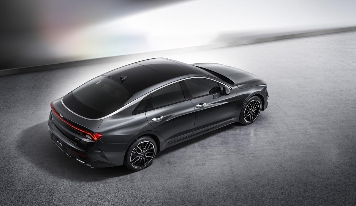 Kia unveils new K5 sedan