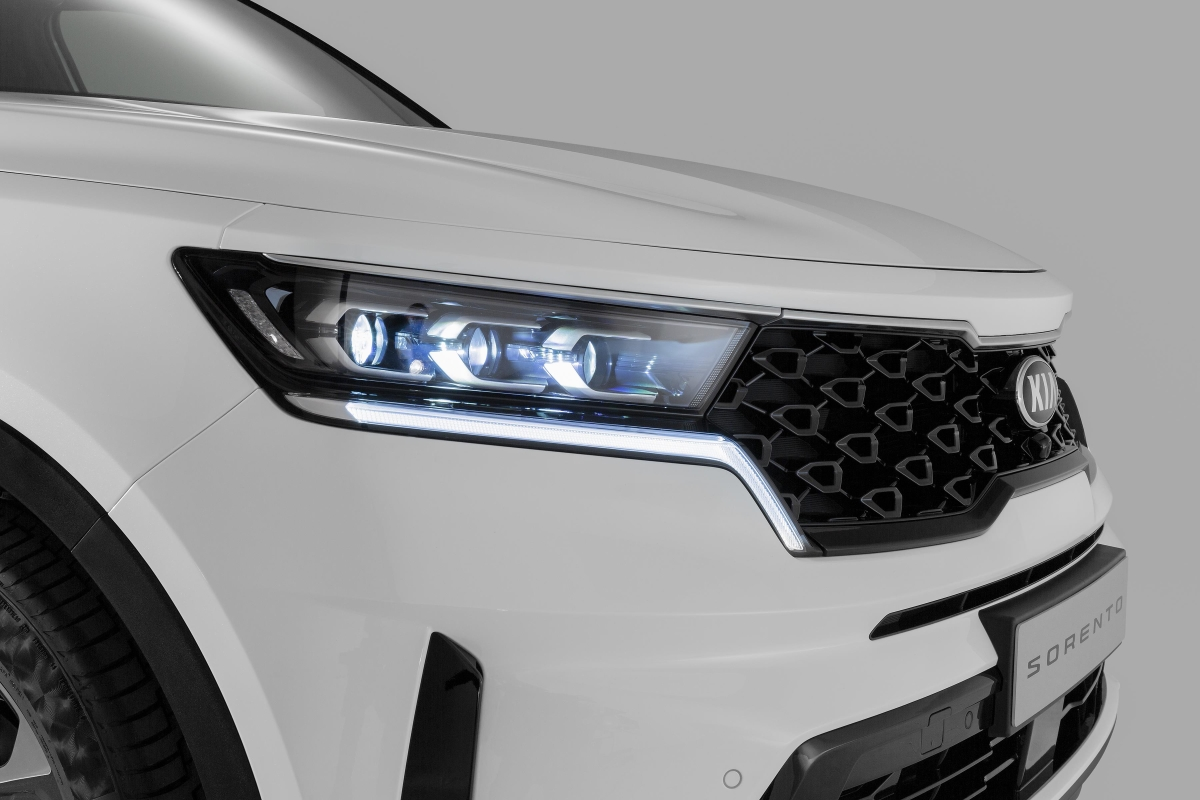 Typical Tiger Nose grille and triple LED headlamps