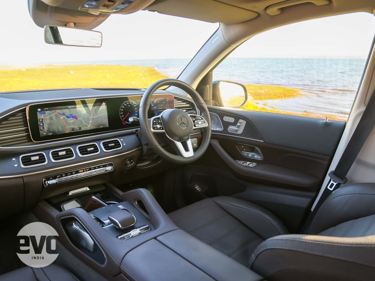 The new generation GLE  interior looks really, really good and is easily one of the highlights of the SUV.