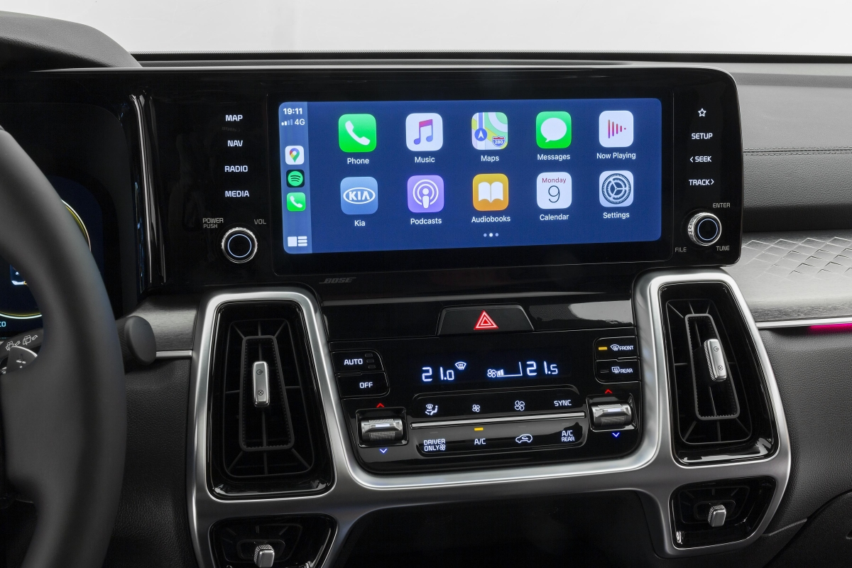 Apple CarPlay vs Android Auto, which one is better?