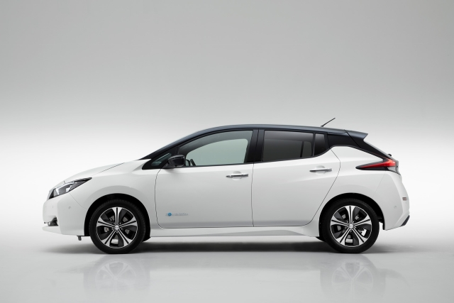 Nissan unveils the Leaf to the world