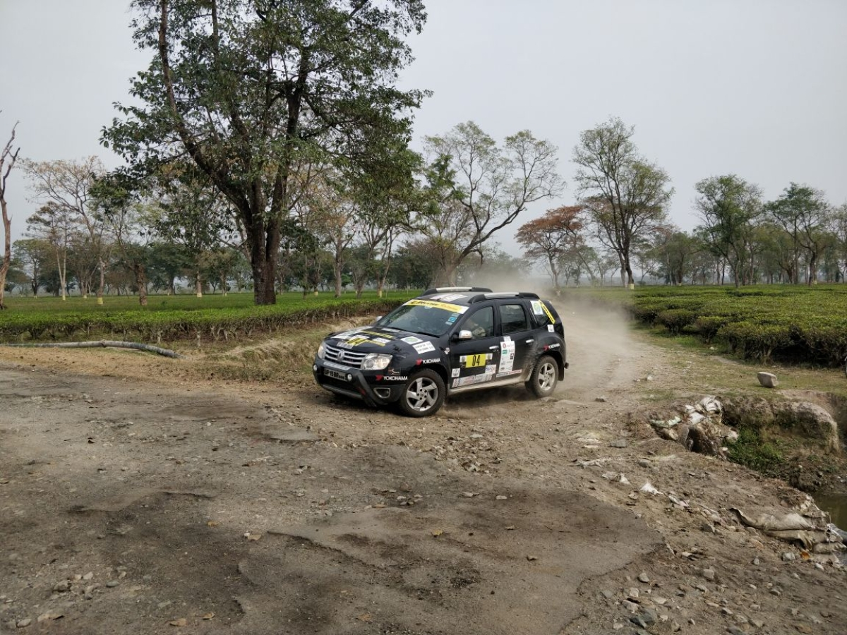 The fourth day involved participants cutting through tea estates in the Dooars region
