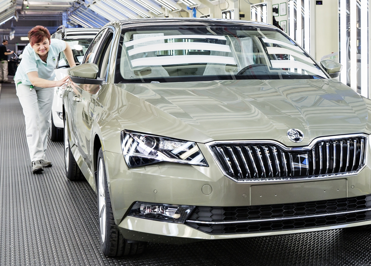 Skoda rolls out 5,00,000th third generation Superb