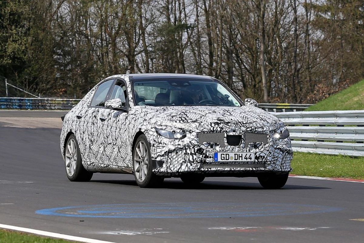 Next-generation Mercedes C-class spied – to spawn next M3-rivalling C 63 AMG