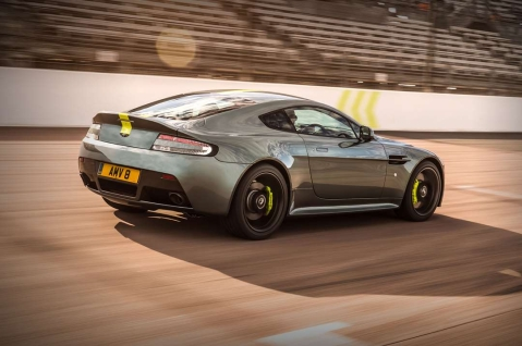 Aston Martin Vantage AMR teased with manual gearbox