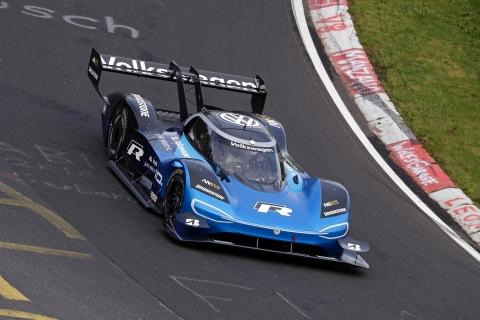 Volkswagen ID R breaks EV Nurburgring Nordschleife lap record