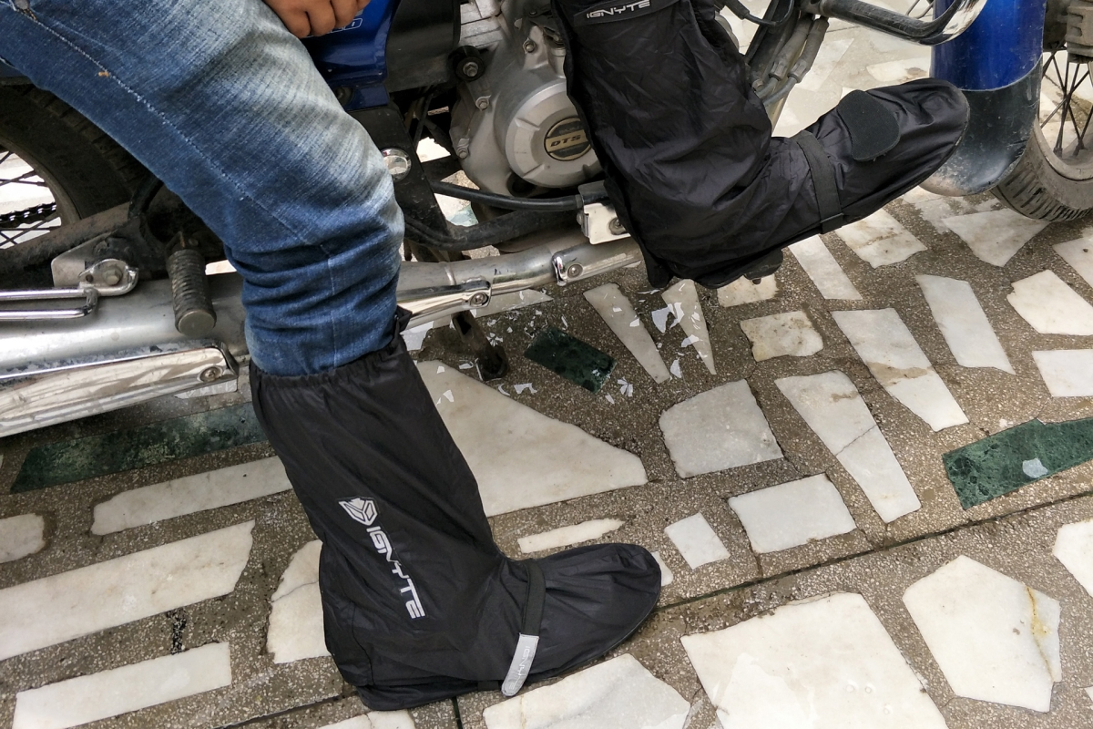 Steelbird launches Ignyte shoe covers for bikers